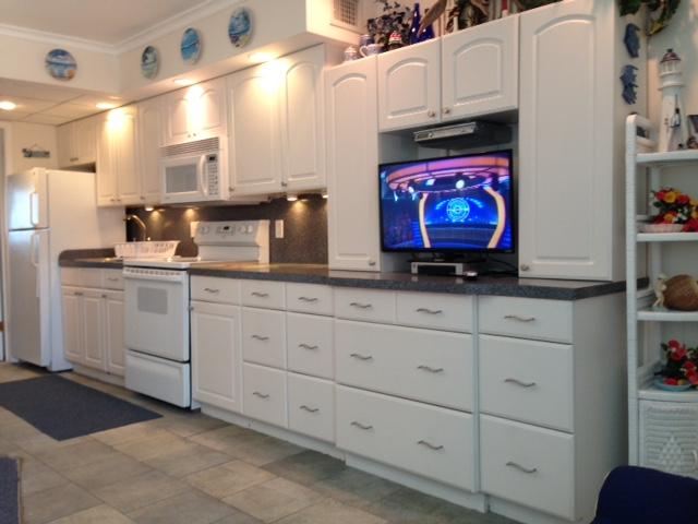 C-312 Kitchen & Entertainment Center — Cape May Rentals